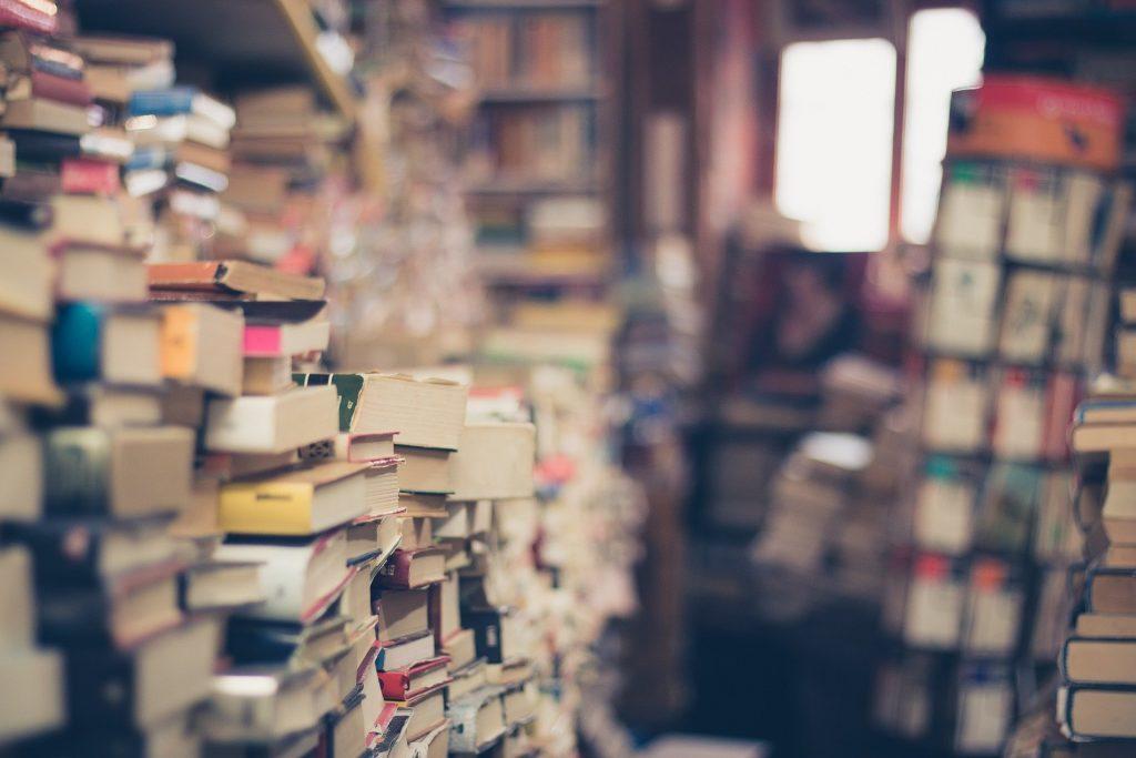 Contrat, editeur, edition, maison d'edition, auteur, livre, ouvrage, roman, droit d'auteur, taux, pourcentage, tirage, couverture, droit,